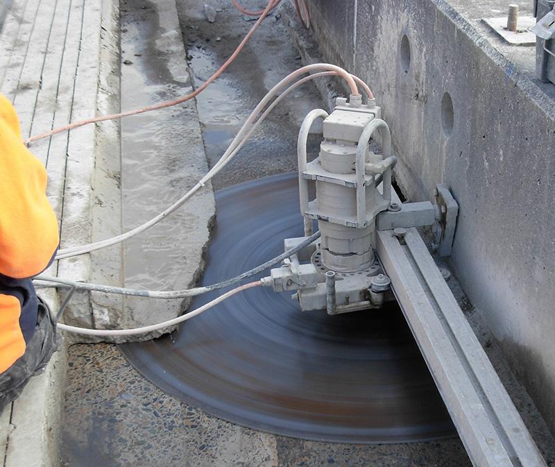 Saw Cutting Concrete Walls : Concrete cutting sydney